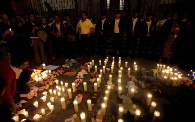 La sociedad demanda encontrar culpables por la pérdidas de estas 35 vidas. | Foto: Reuters.