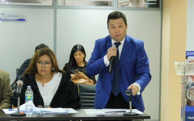 Gladys Terán, Stalin Raza y Santiago Acurio pidieron que se transparenten cómo se calificó en el concurso para Fiscal. Foto: Cortesía