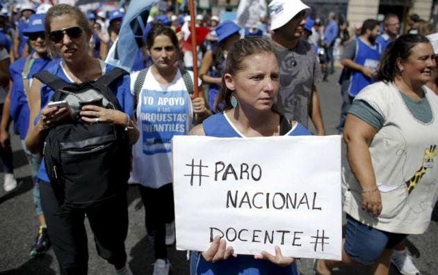 Maestros en Argentina volvieron al paro y no aceptaron el aumento del 1% en el sueldo. Foto: Tomado de El Universal