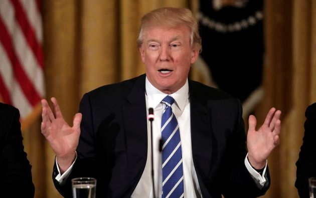 El presidente Trump ya había firmado un decreto similar el pasado 27 de enero. | Foto: Reuters.