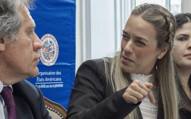 En octubre de 2015, la Comisión amplió las medidas cautelares concedidas a López y Ceballos para que también protejan a sus esposas e hijos.| Foto: AFP