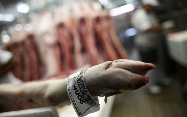 La decisión nace de la crisis sanitaria del país sudamericano por la adulteración de carne de res. | Foto: Reuters.