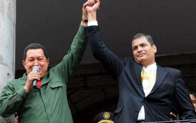 Chávez consultó al pueblo venezolano, en 2007, para aprobar la reelección indefinida. Correa no se arriesgó a la consulta y lo aprobó vía Legislativo. Foto: tomado de Agencia ANDES