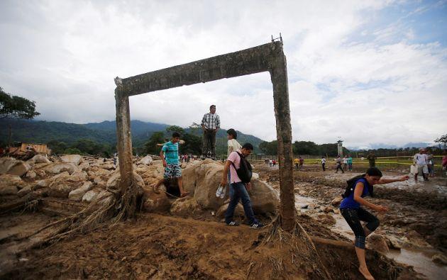 La avalancha desatada la medianoche del viernes dejó al menos 262 muertos. Foto: Reuters.