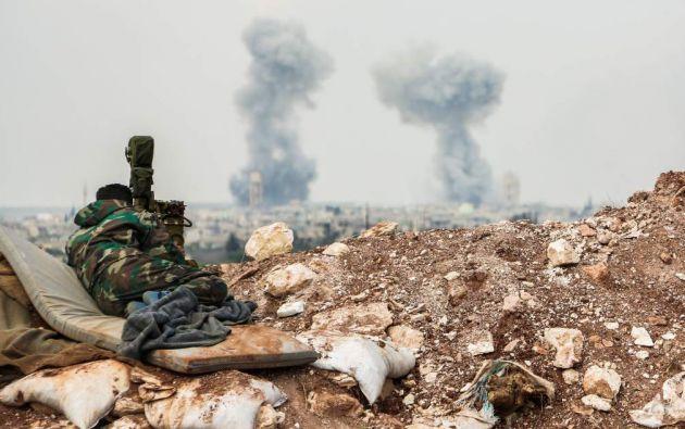 Jan Shijún es una ciudad de 75.000 habitantes, muchos de ellos desplazados procedentes de la vecina provincia de Hama, que está bajo control del Ejército Libre Sirio. | Foto: AFP