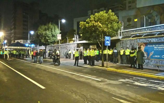 El Ministerio del Interior informó que el desalojo de manifestantes afuera del CNE se cumplió sin desmanes. Foto: Twitter del M. del Interior