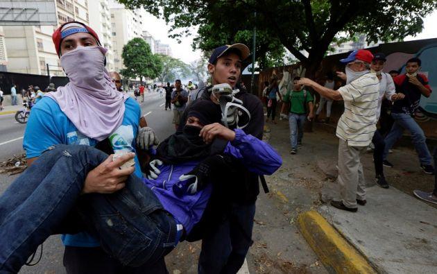 Las manifestaciones, que iniciaron el 1 de abril, exigen respeto a las facultades del Parlamento. Foto: Reuters.