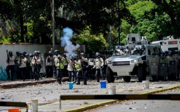 Este jueves las protestas continuaron en Caracas. Universitarios fueron reprimidos por la Policía. Foto: AFP