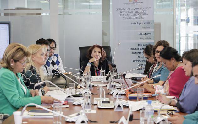La presidenta de la Comisión, María Augusta Calle, agregó que se ha mejorado el texto del proyecto de Código de Seguridad, respecto del primer debate. Foto: Asamblea