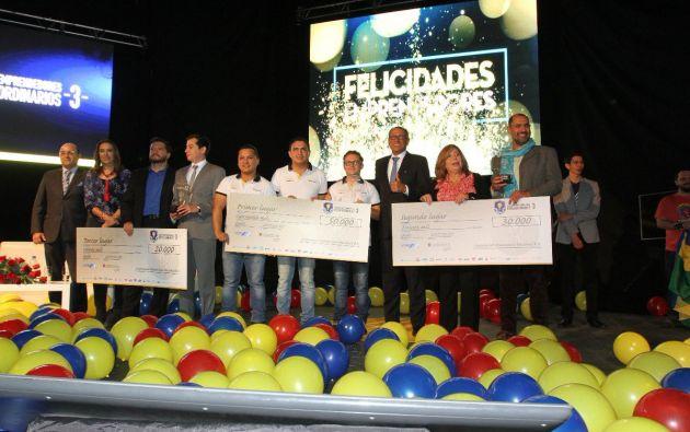 La tercera edición en Ecuador de la Liga de Emprendedores Extraordinarios escogió a los tres mejores proyectos y al ganador de entre los 6.600 inscritos. Foto: Tomada del Twitter de Jorge Glas