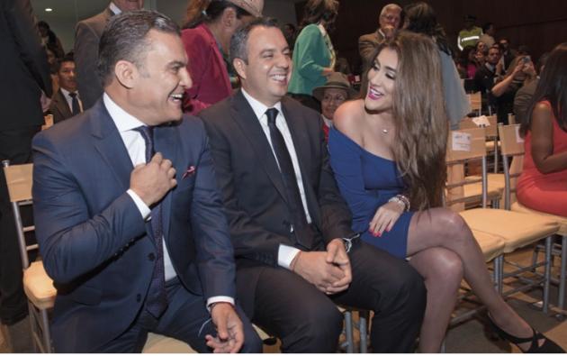 Muy sonrientes: José Serrano (Alianza PAIS), Guillermo Celi (CREO-SUMA) y Cristina Reyes (PSC) recibieron las credenciales como legisladores nacionales. Foto: Cecilia Puebla