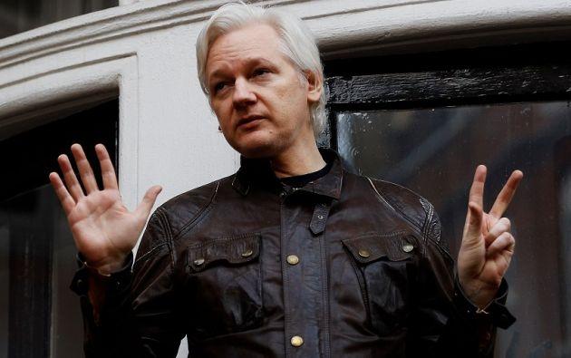 """El 19 de mayo el entonces canciller Guillaume Long, pidió al Gobierno de Londres que conceda un """"salvoconducto"""" a Assange para abandonar la Embajada.   Foto: Reuters."""