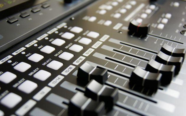 Representantes de medios de comunicación expresaron su desacuerdo con la posición de la Supercom, al considerar que ello afectaría a la libertad de expresión.   Foto referencial: Pixabay.