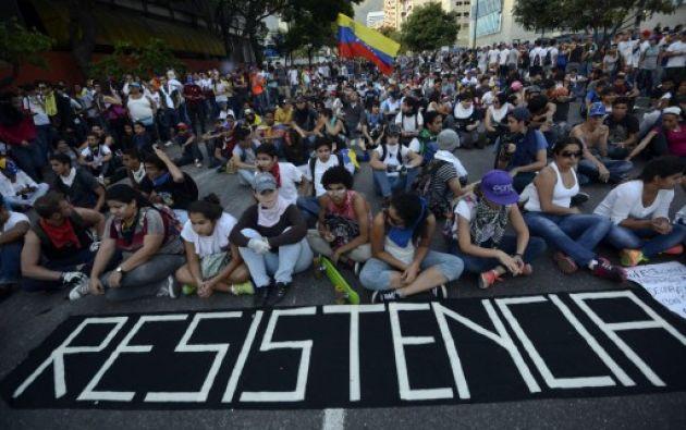 Desde hace 71 días la nación petrolera se ha visto sacudida por una ola de manifestaciones, a favor y en contra de Maduro. Foto: AFP