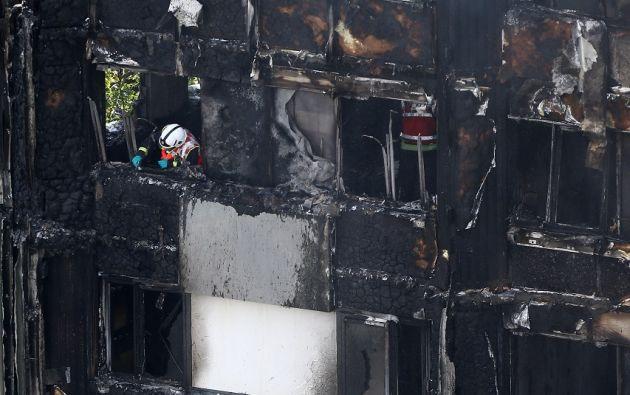 Según varios residentes los trabajos de renovación del año pasado podrían haber favorecido la propagación del fuego. | Foto: Reuters.