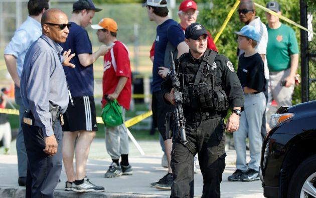 Por lo menos dos agentes de seguridad también resultaron heridos. | Foto: Reuters.
