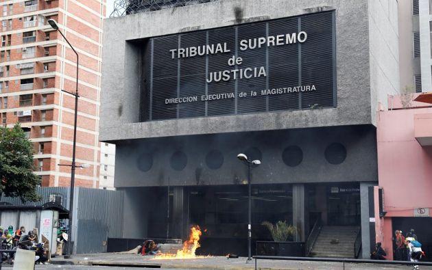 En medio de protestas, el Parlamento venezolano inició el martes el proceso para designar a nuevos magistrados del Tribunal Supremo de Justicia (TSJ) venezolano. Foto: Reuters.