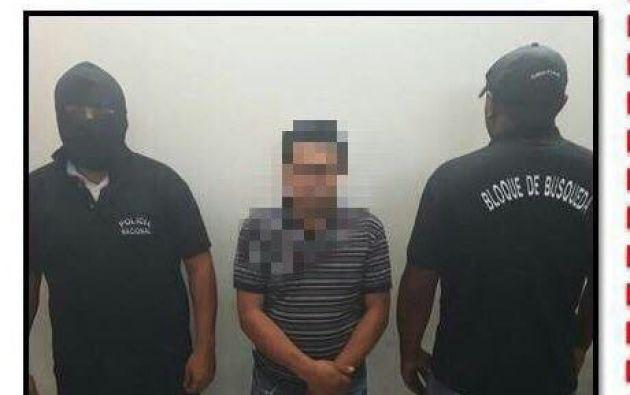 El detenido era requerido en Imbabura por ser un presunto integrante de una organización delictiva internacional. Foto: Policía Nacional