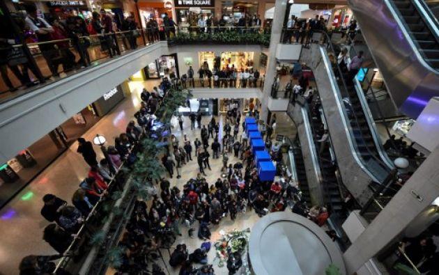 Una bomba estalló el sábado en uno de los baños de mujeres de la segunda planta del centro comercial Andino. Foto: AFP