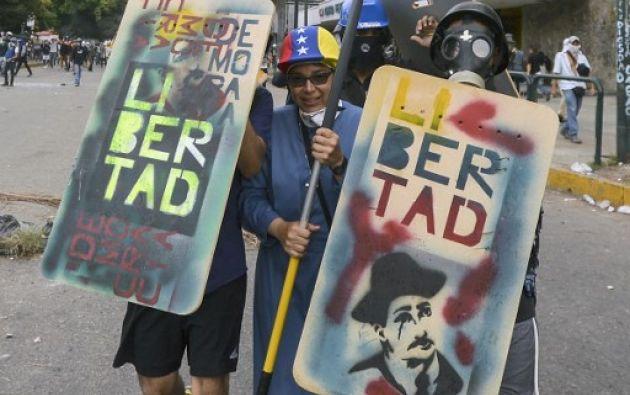 Mientras se discute la situación política de Venezuela en la OEA, en las calles de Caracas continúan las movilizaciones. Foto: AFP
