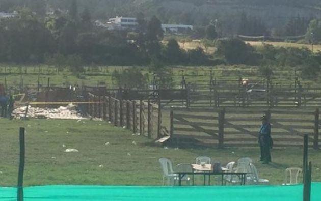 Una tarima se cayó la tarde de este sábado 1 de julio del 2017 en Lumbisí, valle de Cumbayá, en Quito. Foto:COE Metropolitano