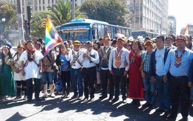 Una masiva marcha de la Conaie con varias nacionalidades indígenas recorrió Quito hasta la Plaza de la Independencia. Foto: Confenaie