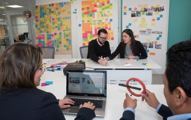 El desarrollo de software es uno de los sectores de servicios que el país puede potenciar en el extranjero. Aquí en la empresa Bayteq. Foto: Vistazo