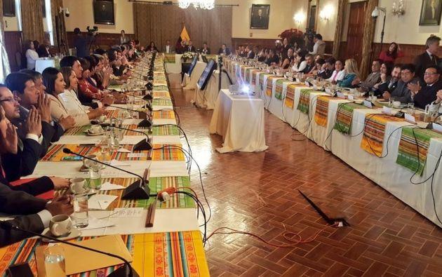 Almuerzo entre el presidente Moreno con legisladores de Alianza PAIS, en el Palacio de Carondelet. Foto: Twitter