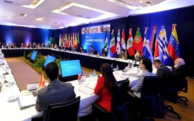Directorio de la institución, integrado por los ministros de economía y finanzas de países de la región.| Foto: Twitter Finanzas