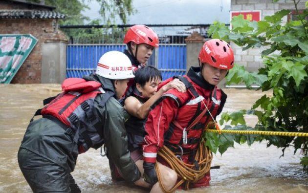 Cientos de miles de personas han tenido que abandonar sus hogares, informaron las autoridades de varias provincias. Foto: AFP