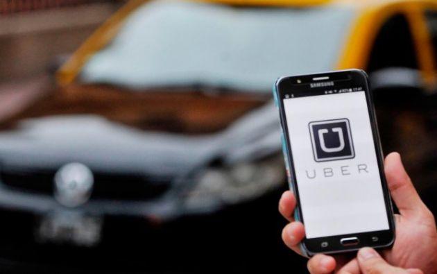 Uber es una empresa de servicios de taxis que funciona con una aplicación móvil en 77 países. Foto: Referencial