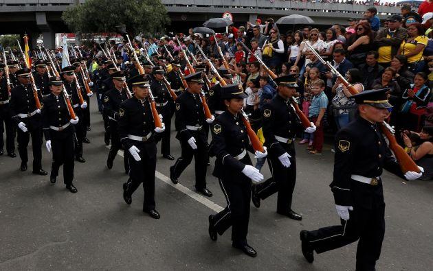 """""""El desfile de nuestras FF.AA es un reconocimiento a todos los héroes que han dado su vida por defender nuestra bandera"""", escribió Santos. Foto: Reuters"""
