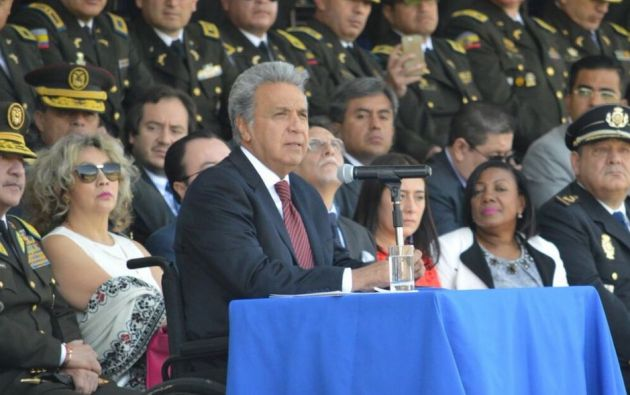 Los oficiales ascendidos son: Nelson Villegas, Patricio Carrillo, Carlos Alulema, Fernando Cabrera, Tanya Varela y Freddy Ramos. Foto: Twitter