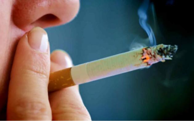 Los fabricantes de cigarrillos, pipas y narguile tendrán que acatar las nuevas reglas de aquí a 2021. Para los cigarrillos electrónicos tendrán hasta 2021. Foto referencial