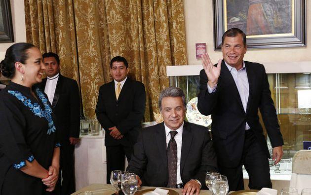 Moreno en una imagen del pasado junto a Correa cuando éste le rindió un homenaje en Carondelet. Foto: Archivo