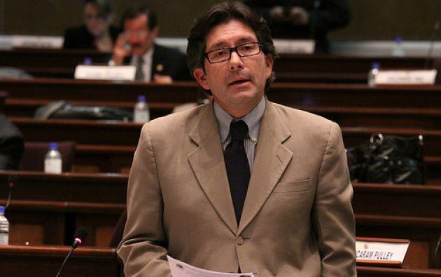 Montúfar asegura que en 2009 el Vicepresidente Glas era representante de una empresa que supuestamente recibió comisiones. Foto: Flickr Asamblea