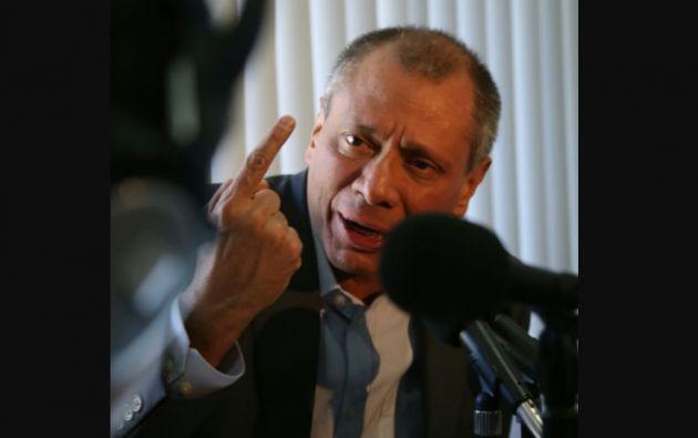 Mediante el decreto Ejecutivo No. 100 el presidente de la República, Lenín Moreno, retiró todas las funciones al Vicepresidente. Foto: Vicepresidencia