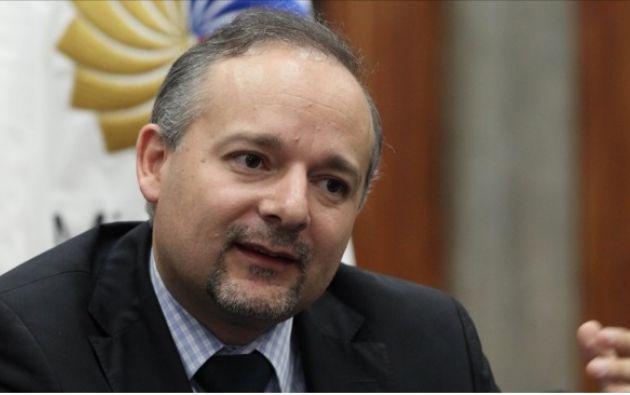 Espinosa dijo que solamente en la compra excesiva de medicamentos se evidenció un perjuicio de 7 millones de dólares. Foto: ElCiudadano.gob.ec