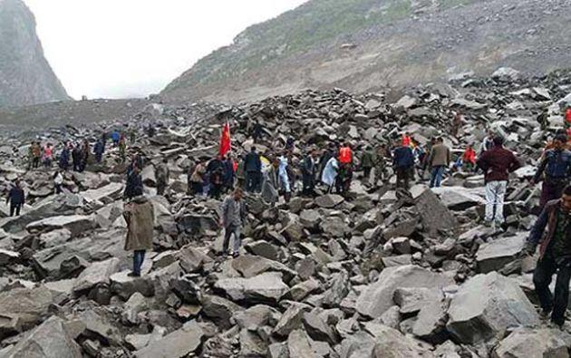 El alud, ocurrido hacia las 6:00 hora local, enterró la aldea de Gengdi. Foto: Crónica Viva