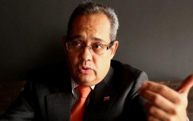 El jurista tuvo que escapar al país vecino por las amenazas del régimen de Maduro de meterlo en la cárcel.