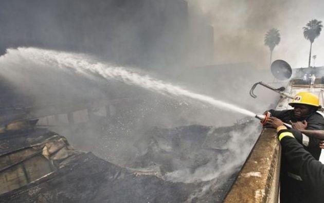 Siete alumnas de secundaria fallecieron y otras 10 resultaron heridas el sábado cuando se incendió su dormitorio en la capital de Kenia, Nairobi, anunció el ministro de Educación.  Foto: referencial