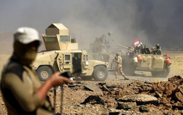 Las tropas de Bashar al Asad combaten a los yihadistas en Uqayribat, una pequeña ciudad de la provincia de Hama. Foto: Reuters