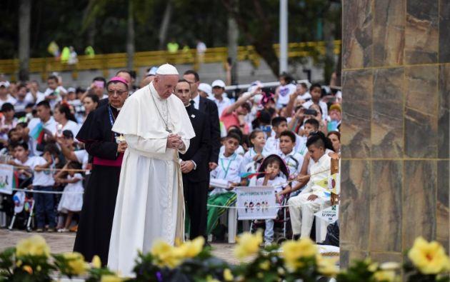 Francisco honrará la memoria del pontífice polaco santificado con una misa en el Aeropuerto Internacional Olaya Herrera. Foto: AFP