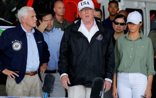 Trump y su esposa Melania visitan la ciudad de Fort Myers, donde se les informará -junto al vicepresidente Mike Pence- de los esfuerzos de recuperación. Foto: Reuters