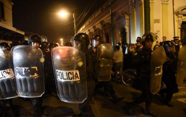 Los diputados del Congreso permanecieron encerrados durante 7 horas. Foto: AFP