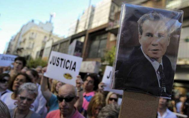 El nuevo peritaje apunta a que Nisman habría sido drogado con ketamina y golpeado en la nariz, el hígado y las piernas antes de ser asesinado en el baño de su casa. Foto: RTVE