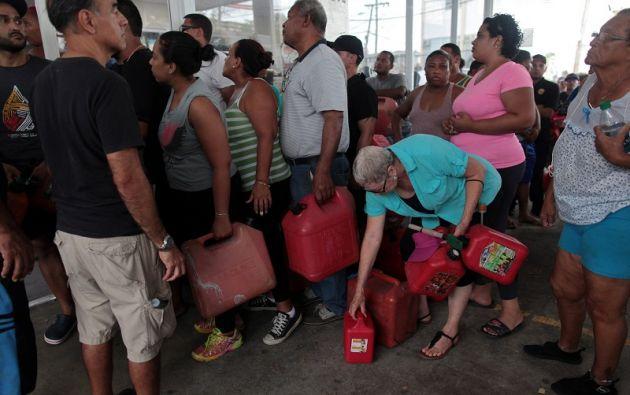 El servicio de telefonía celular es irregular y hasta los hoteles se están quedando sin combustible para sus generadores. Foto: Reuters
