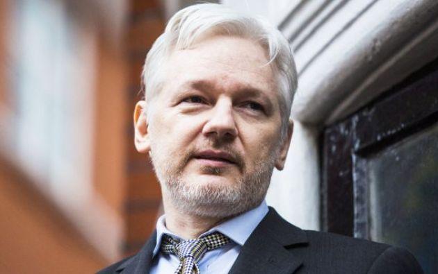 Assange se refugió hace cinco años en la Embajada de Ecuador en Londres como forma para evitar su eventual extradición a Suecia. Foto: AFP