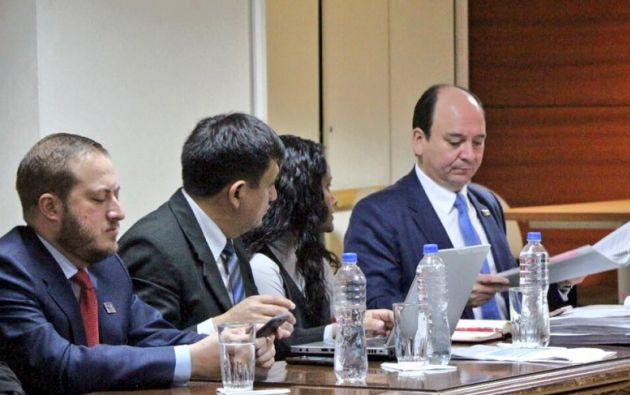 El fiscal además solicitó al juez Miguel Jurado la prohibición de enajenar bienes y la retención de las cuentas del Vicepresidente. Foto: Fiscalía