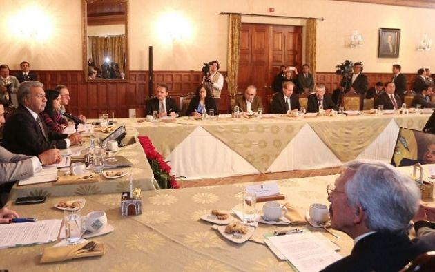El Presidente se reunió el 4 de octubre con representantes de diferentes medios de comunicación, para analizar la situación del país. Foto: Presidencia